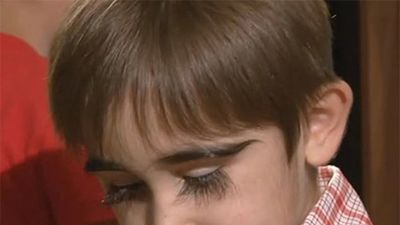 Nóng nhất hôm nay: Cậu bé 11 tuổi có cặp lông mi dài nhất nước Nga
