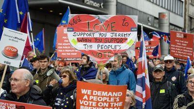 Biển người tuần hành phản đối Brexit ở Anh