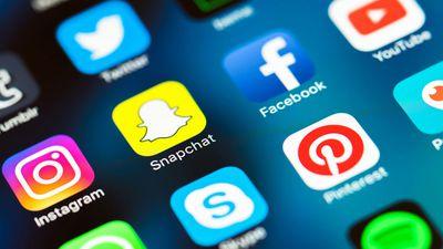 Tranh cãi mạng xã hội kiểm duyệt người dùng