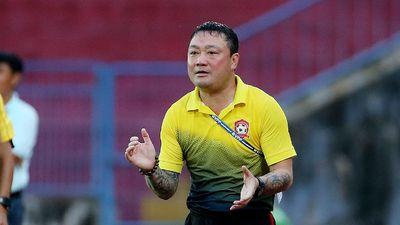 HLV Hải Phòng dẫn dắt đội bóng phủi tham dự giải phong trào ở Hà Nội