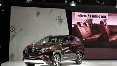 Nằm giữa Innova và Avanza, Toyota Rush chính thức ra mắt với giá bán từ 668 triệu đồng