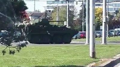 Xe chiến đấu hạng nặng Mỹ tiến vào Séc, Slovakia