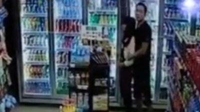 Khoảnh khắc đặc nhiệm TQ bắn chết kẻ cầm dao kề cổ con tin