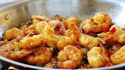 Cách làm tôm rim cay kích thích vị giác cho bữa trưa