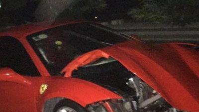 Siêu xe Ferrari 16 tỷ được cho là của Tuấn Hưng 'nát đầu' ở Phú Thọ