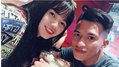 Nữ tuyển thủ Việt Nam làm hậu phương cho cựu cầu thủ U23 Việt Nam