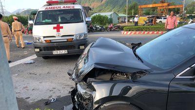 Xe cấp cứu gặp tai nạn, tranh cãi quanh việc xe cấp cứu vượt đèn đỏ