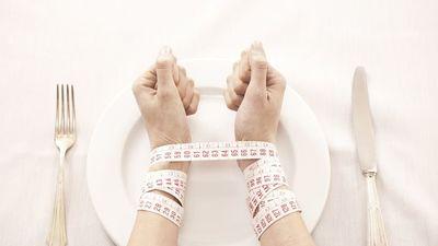 10 dấu hiệu kỳ lạ cảnh báo bạn bị rối loạn ăn uống