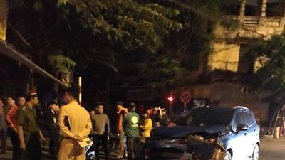 Ô tô diễn viên Anh Tuấn nát đầu khi va chạm xế hộp cựu thủ môn Dương Hồng Sơn