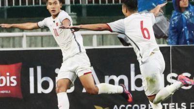 Dàn xếp đá phạt cực hay, Mạnh Dũng mở tỷ số cho U19 Việt Nam