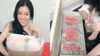 Clip: Cô vợ sướng rơn khi được chồng tặng hộp quà đầy tiền 500.000 đồng nhân dịp 20/10