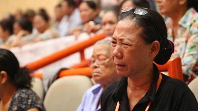 Người dân Thủ Thiêm bật khóc tại cuộc gặp Bí thư Nguyễn Thiện Nhân