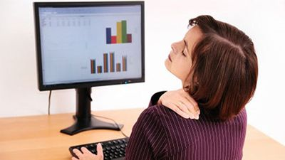 Cách chữa đau vai gáy, cột sống hiệu quả không cần thuốc tây