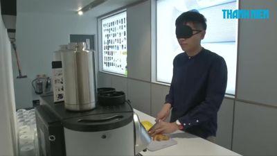 Bộ dụng cụ làm bếp dành cho người khiếm thị có gì hay?