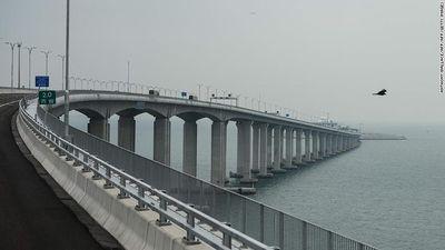 Tranh cãi quanh cây cầu 'con rắn' vượt biển dài nhất thế giới tốn 20 tỷ USD