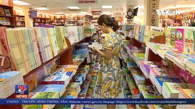 Lo ngại tình trạng độc quyền, lãng phí sách giáo khoa