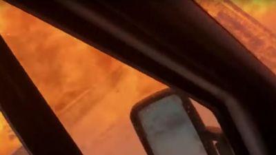 Khoảnh khắc ô tô nổ tung trong vụ va chạm giao thông liên hoàn