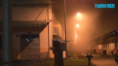 Nửa đêm, kho vải công ty Hansae Tiền Giang cháy dữ dội