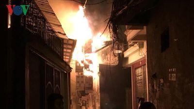 Cháy lớn tại phố Vũ Ngọc Phan, Hà Nội