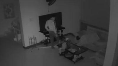 Tên trộm cầm dao đột nhập vào nhà lấy tài sản lúc nửa đêm
