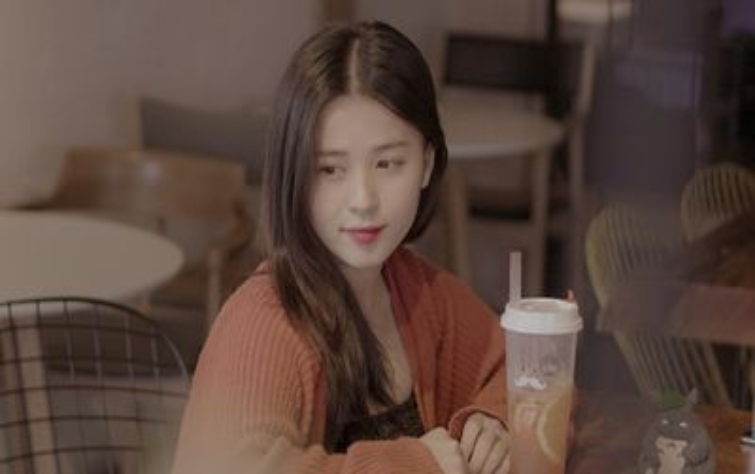 Hot girl Thảo Nari lần đầu chia sẻ về tin yêu cầu thủ Trọng Đại U23