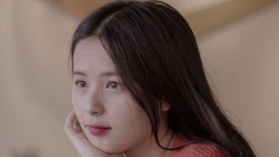 'Hot girl dân dộc' Thảo Nari: Bật cười khi bị đồn đang yêu Vanh Leg