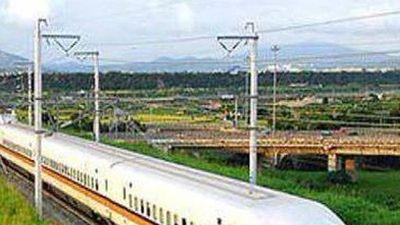Xây dựng đường sắt Bắc – Nam tốc độ cao: Chỉ nên làm một số tuyến!