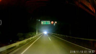 Tài xế máu lạnh lao ô tô ngược chiều cao tốc Nội Bài-Lào Cai