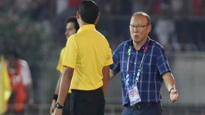 HLV Park Hang-seo không hài lòng vì trọng tài AFF Cup 2018