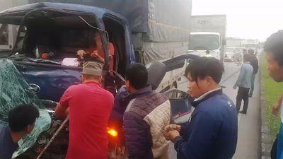 Cận cảnh tai nạn nối tiếp tai nạn khủng khiếp trên cao tốc Hà Nội - Thái Nguyên