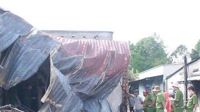 Video vụ tai nạn thảm khốc ở Bình Phước: 'Tôi bất lực nhìn nhà mình cháy'