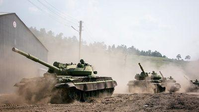 Mang xe tăng đi rửa, Nga lại khiến Ukraine lo sốt vó
