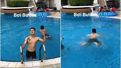 Khẳng định trình diễn bơi bướm lại hóa bơi ếch nhưng điều Quang Hải khiến fangirl đau tim là body cực phẩm
