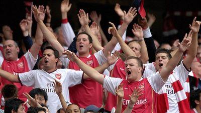 Vì sao nạn 'phe vé' bóng đá hiếm xảy ra ở nước Anh?