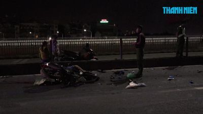 Tai nạn trên cầu Sài Gòn lúc nửa đêm, một người chết