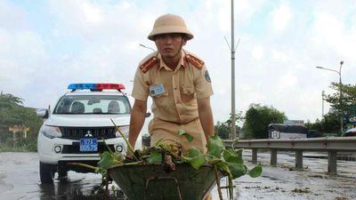 Quốc lộ 1 qua Quảng Nam thông tuyến sau 2 ngày tê liệt