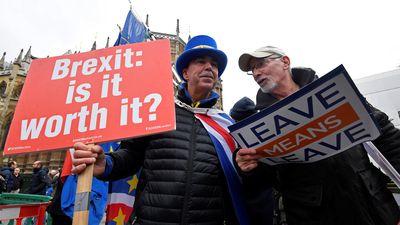 Trì hoãn bỏ phiếu Brexit gây lo ngại, thị trường chứng khoán Anh 'lãnh đủ'