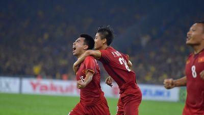 Chiêm ngưỡng siêu phẩm sút xa của Đức Huy xé lưới Malaysia
