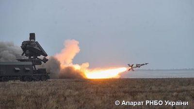 Chối bỏ quá khứ với Liên Xô, Ukraine vẫn tập trận với tên lửa S-125