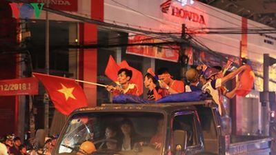 Cảnh sát TPHCM thâu đêm ngăn chặn các nhóm thanh niên phá rối