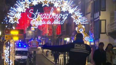 Hiện trường vụ xả súng kinh hoàng ở chợ Giáng sinh lớn nhất Pháp