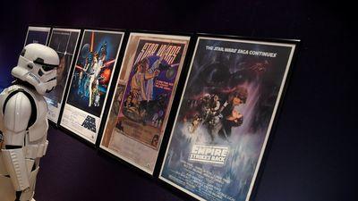 Kiếm ánh sáng của Luke Skywalker bị ngừng đấu giá vì nghi ngờ nguồn gốc