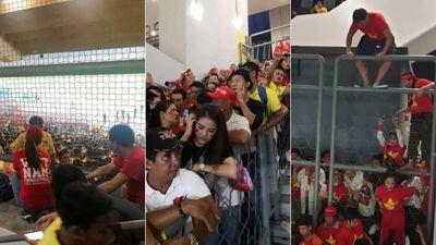 Malaysia vào cuộc điều tra vụ bán vé nhiều hơn số ghế tại Bukit Jalil