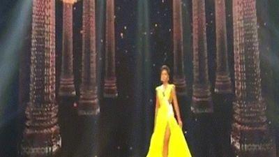 Cú xoay người 'thần thánh' của H'Hen Niê tại Hoa hậu Hoàn vũ đang gây sốt