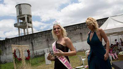 Nhan sắc nữ tù nhân giết người giành giải hoa hậu 'bóc lịch' ở Brazil