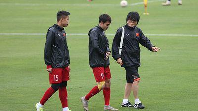 HLV Park Hang-seo đón tin cực xấu trước trận chung kết lượt về