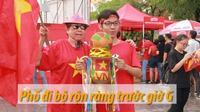 Phố đi bộ Nguyễn Huệ náo nhiệt trước trận chung kết AFF Cup