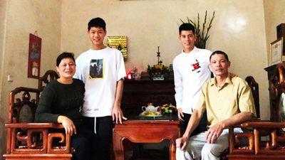 Mong ước của bố mẹ 'lá chắn thép' Đình Trọng nếu Việt Nam vô địch AFF CUP