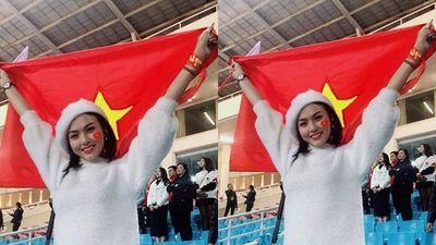 Hotgirl nóng bỏng trên sân Mỹ Đình thổ lộ cảm xúc khi đội tuyển Việt Nam vô địch