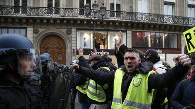 Biểu tình tiếp diễn tuần thứ 5 tại Pháp, quy mô giảm một nửa